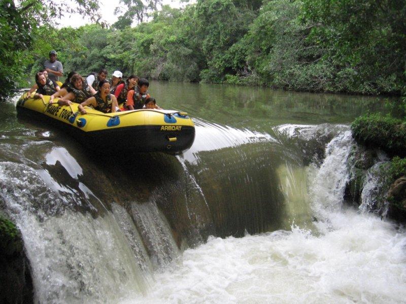 Bote no Rio Formoso