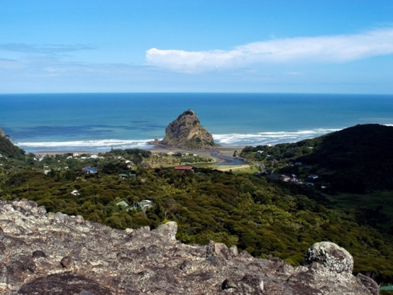Piha beach - Créditos: Scott Vernning