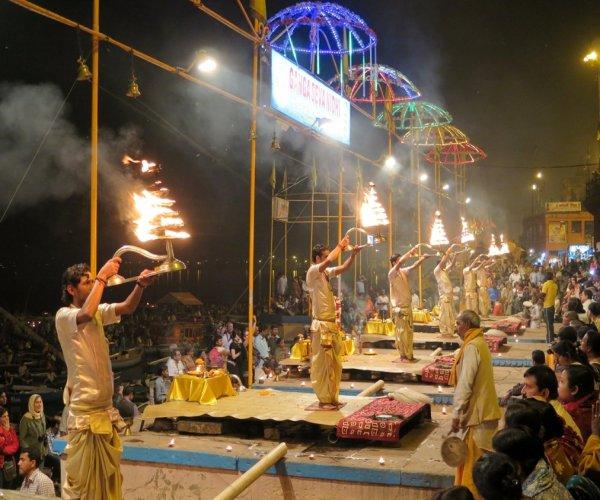 Cerimônia do Aarti em Varanasi