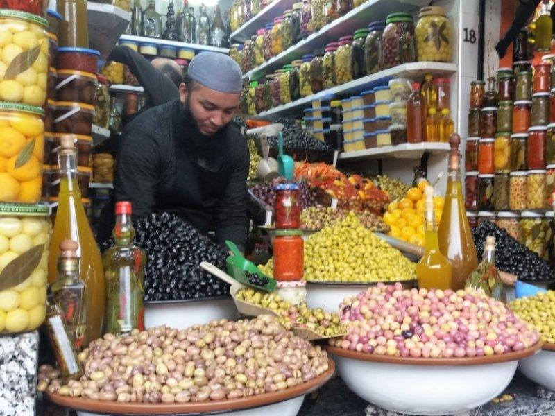 Mercado de azeitonas em Marrakesh