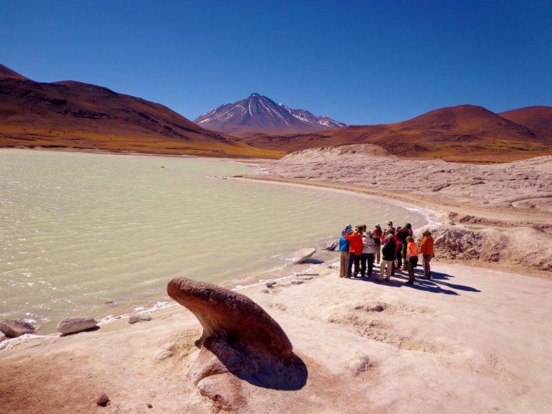 Piedras Rojas e Laguna Águas Calelientes