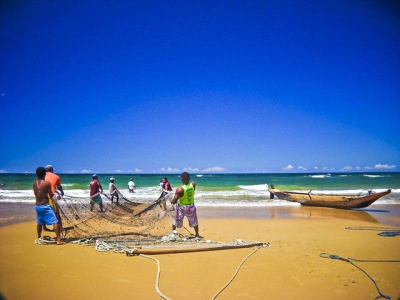 Pescadores da Costa do Dendê