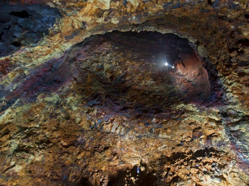 Descida ao vulcão Thrihnukagigur - crédito: Iurie Belergushi
