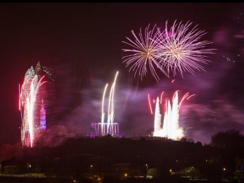 Ano Novo em Edimburgo - crédito: Visit Scotland - fotógrafo: Kenny Lam