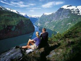 Noruega – Paisagens pelos Fiordes e Ferrovia Flåm