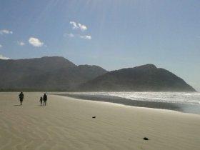 Travessia das Praias Desertas da Juréia