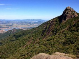 Trekking no Pico do Lopo